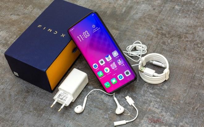 Điểm mặt những smartphone 'dậy sóng' thị trường Việt năm 2018 - 3