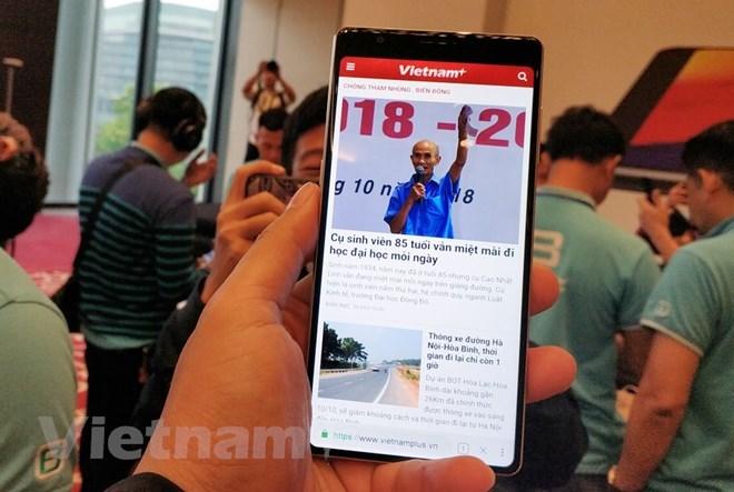 Điểm mặt những smartphone 'dậy sóng' thị trường Việt năm 2018 - 6