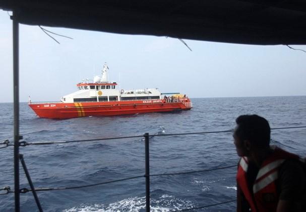 Một thợ lặn thiệt mạng trong quá trình tìm kiếm máy bay tại Indonesia - ảnh 1