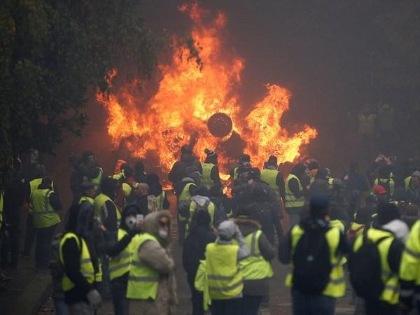 Các cuộc biểu tình tại Pháp đang ngày càng phức tạp. Nguồn: The New York Times