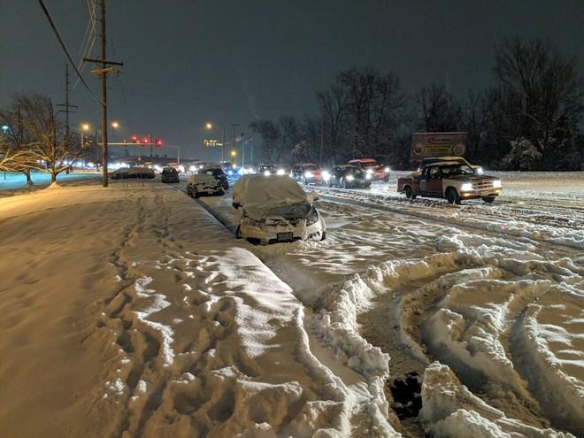 Mỹ: Bão tuyết di chuyển về phía thủ đô sau khi càn quét Trung Tây - ảnh 1