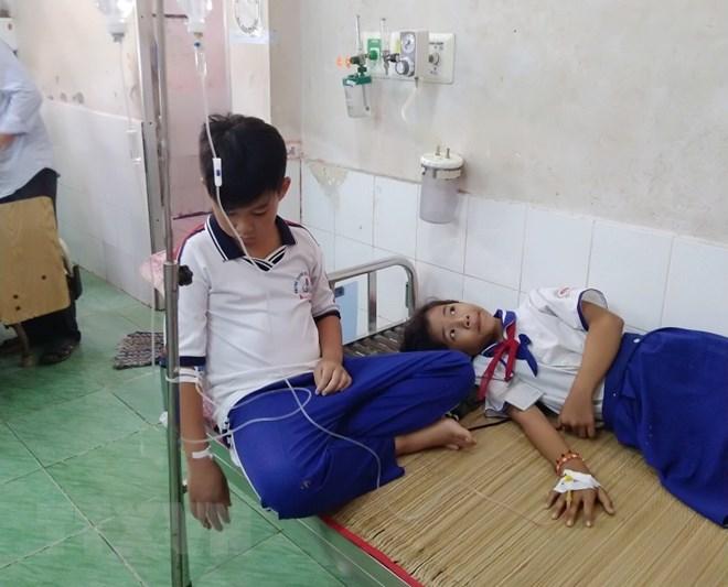 Cà Mau: Những học sinh ngộ độc dung dịch Fluor đã bình phục - ảnh 1