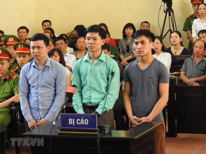 Mở lại phiên tòa xét xử 7 bị cáo trong sự cố chạy thận tại Hòa Bình - ảnh 1