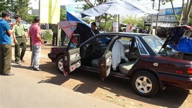 Xe ôtô của cán bộ kiểm lâm Bình Phước nghi bị đặt mìn tự chế - ảnh 1