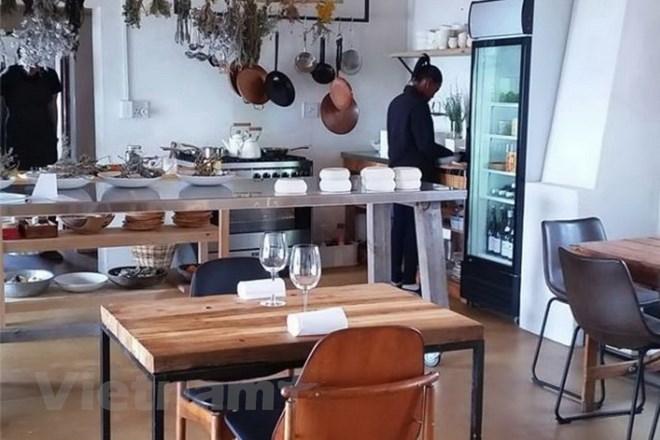 Nhà hàng đơn sơ tại Nam Phi bất ngờ nhận giải tốt nhất thế giới - ảnh 1