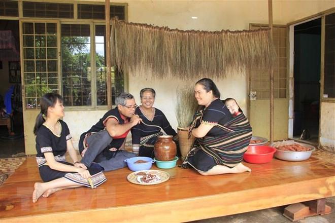 Rượu cần: Nét văn hóa đặc trưng của người Jrai trong ngày Tết - ảnh 2