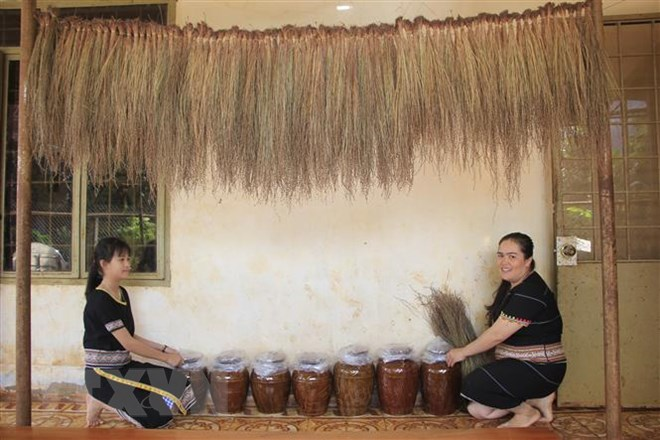 Rượu cần: Nét văn hóa đặc trưng của người Jrai trong ngày Tết - ảnh 3