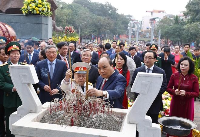 Thủ tướng dâng hương tại Lễ hội 230 năm Chiến thắng Ngọc Hồi - Đống Đa
