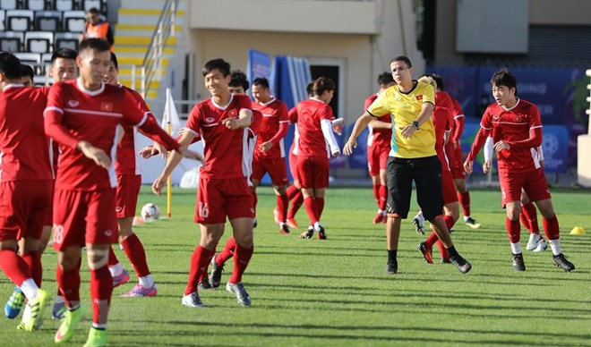 Nhìn lại những màn đối đầu ấn tượng của Việt Nam trước Iran - ảnh 1