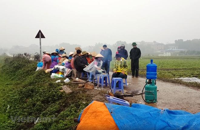 Người dân Nam Sơn bỏ chặn xe, rác nội thành Hà Nội được 'giải cứu' - ảnh 1