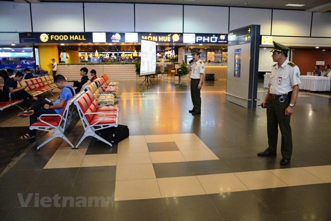 Một nhân viên an ninh hàng không Nội Bài bị 'cò mồi hành hung - ảnh 1