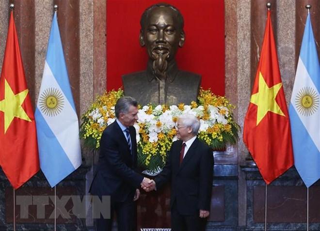 Tổng Bí thư, Chủ tịch nước Nguyễn Phú Trọng và Tổng thống Argentina Mauricio Macri. Ảnh: Lâm Khánh/TTXVN