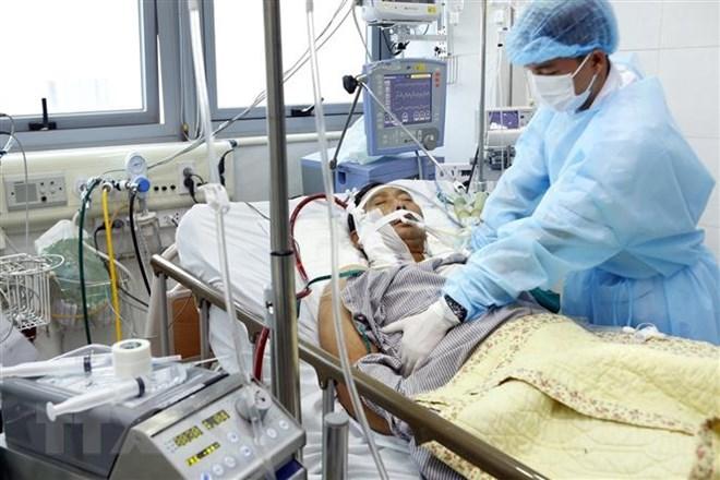 Bệnh viện Bạch Mai: Nhiều trường hợp mắc cúm trong tình trạng nặng - ảnh 1