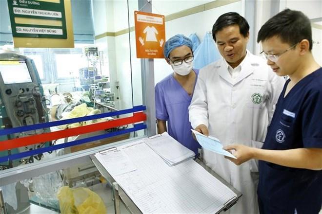 Bệnh viện Bạch Mai: Nhiều trường hợp mắc cúm trong tình trạng nặng - ảnh 2