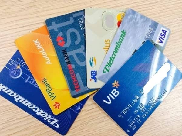 Sẽ chuyển đổi toàn bộ thẻ ATM làm bằng thẻ từ sang thẻ chip - ảnh 1