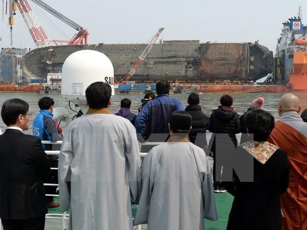 Tòa án Hàn Quốc ra lệnh bồi thường cho các nạn nhân vụ chìm phà Sewol - ảnh 1