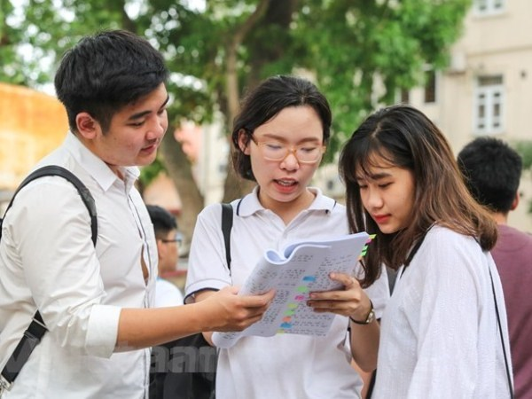 Thí sinh dự thi Trung học phổ thông quốc gia năm 2018. Ảnh: Minh Sơn/Vietnam+