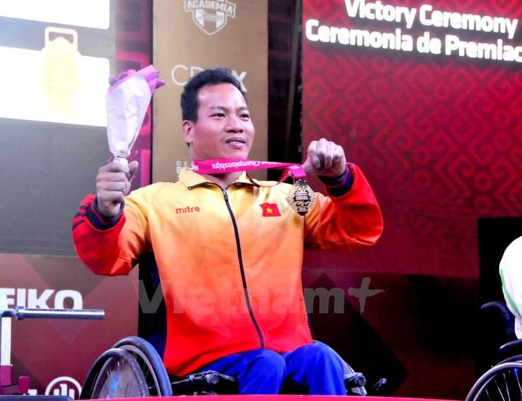 Su kien trong nuoc 4-10/12: Bat tam giam ong Dinh La Thang hinh anh 3