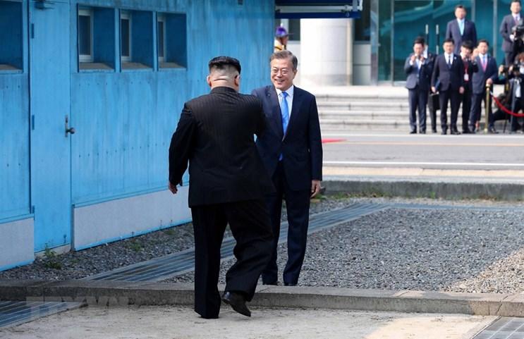 Su kien quoc te 23-29/4: Buoc chan lich su cua ong Kim Jong-un hinh anh 1