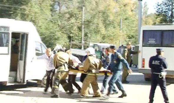 Su kien quoc te 15-21/10: Tan cong dam mau tai Crimea hinh anh 2