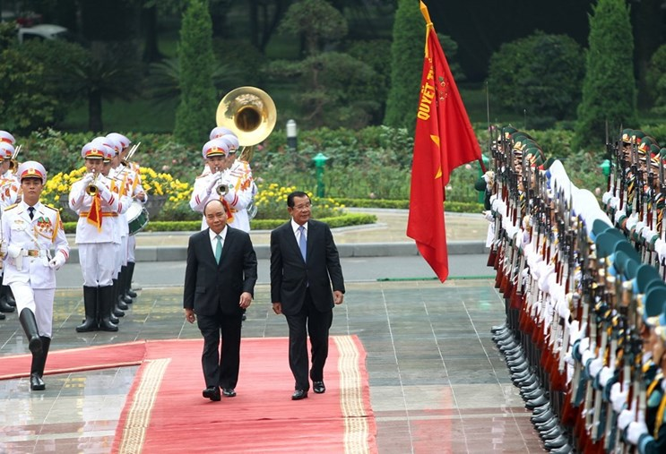 Su kien trong nuoc 3-9/12: Thu tuong Hun Sen tham Viet Nam hinh anh 1