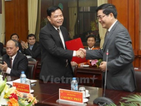 Uy vien Ban Chap hanh Trung uong Dang (chinh thuc) khoa XII - Phan 1 hinh anh 31