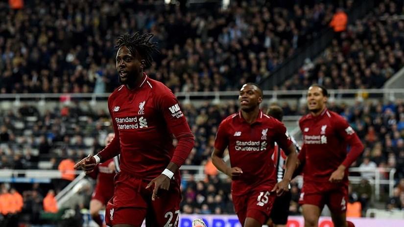 Liverpool tái chiếm ngôi đầu sau màn rượt đuổi tỷ số kịch tính