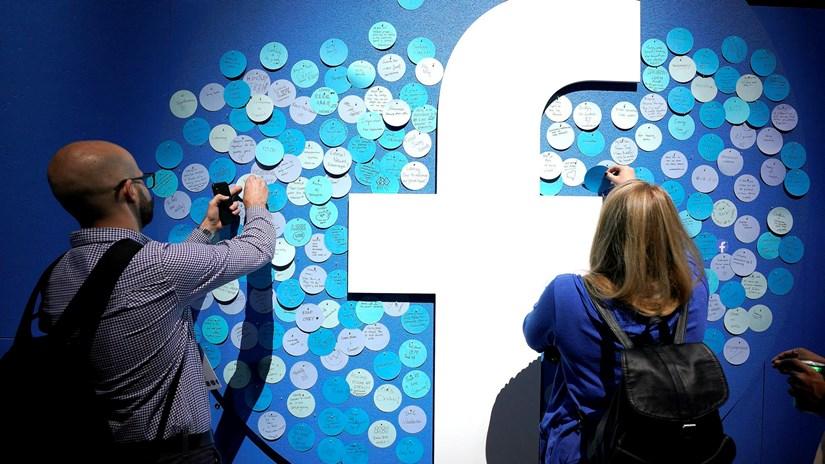 Facebook ra công cụ mới cho phép chuyển ảnh sang Google Photos