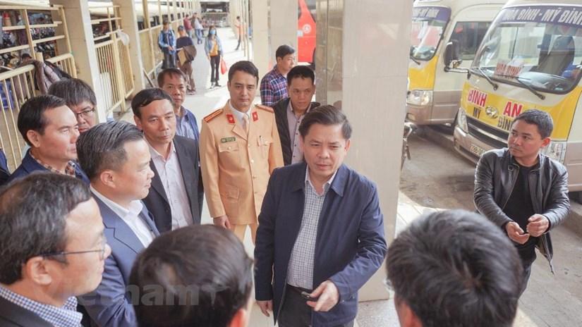 Bộ trưởng GTVT: Không để thiếu tàu, xe để chở người dân về quê ăn Tết
