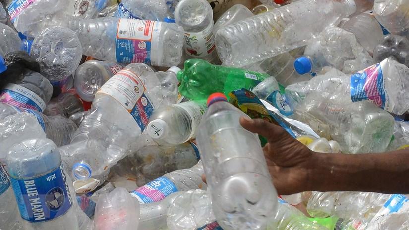 Australia phát triển công nghệ mới tái chế các loại rác thải nhựa