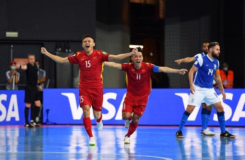 Khổng Đình Hùng ghi bàn thắng duy nhất cho đội tuyển Việt Nam trước Brazil. (Ảnh: Getty Images)