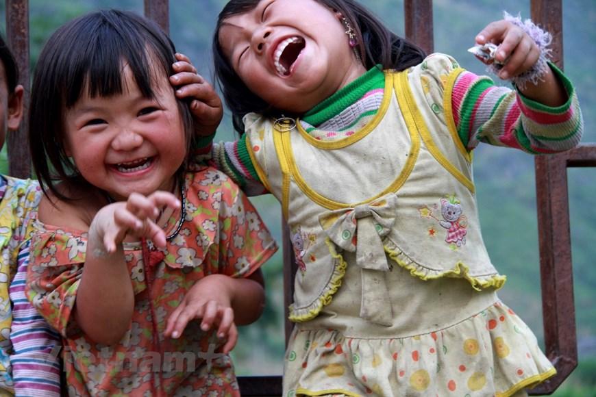 Photo ] Ngắm những nụ cười vô ưu của trẻ em vùng cao phía Bắc | Xã hội | Vietnam+ (VietnamPlus)