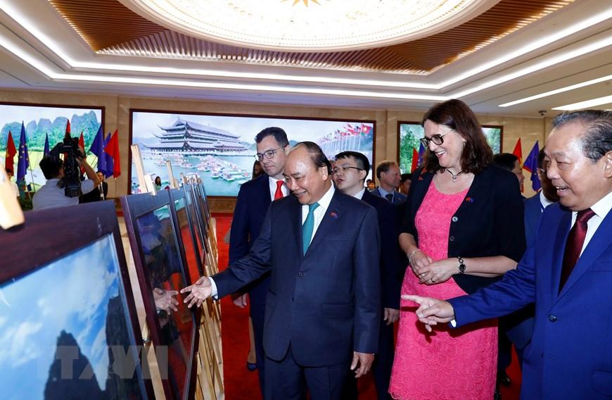 Hình ảnh Lễ ký EVFTA và EVIPA giữa Việt Nam và Liên minh châu Âu - 11