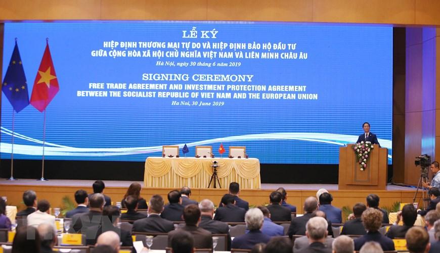Hình ảnh Lễ ký EVFTA và EVIPA giữa Việt Nam và Liên minh châu Âu - 5
