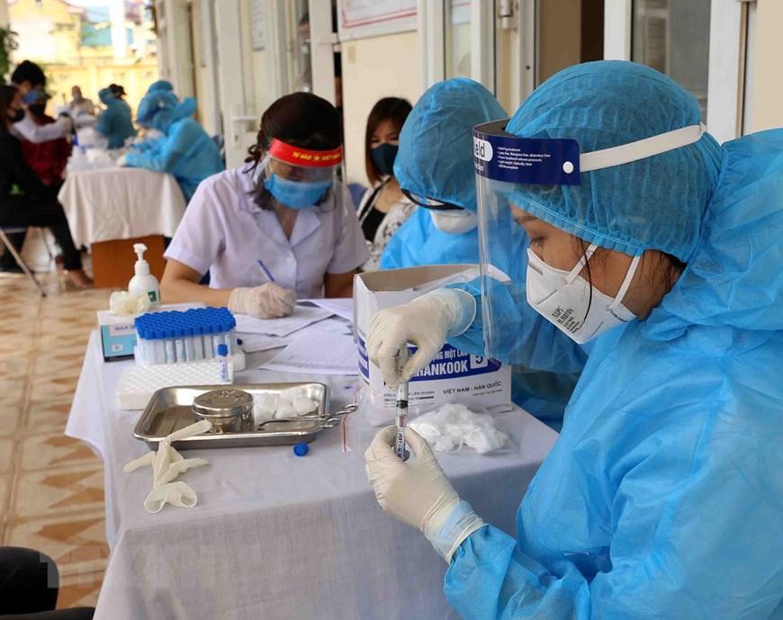 Hà Nội triển khai xét nghiệm nhanh COVID-19 ở các chợ đầu mối   Y tế    Vietnam+ (VietnamPlus)