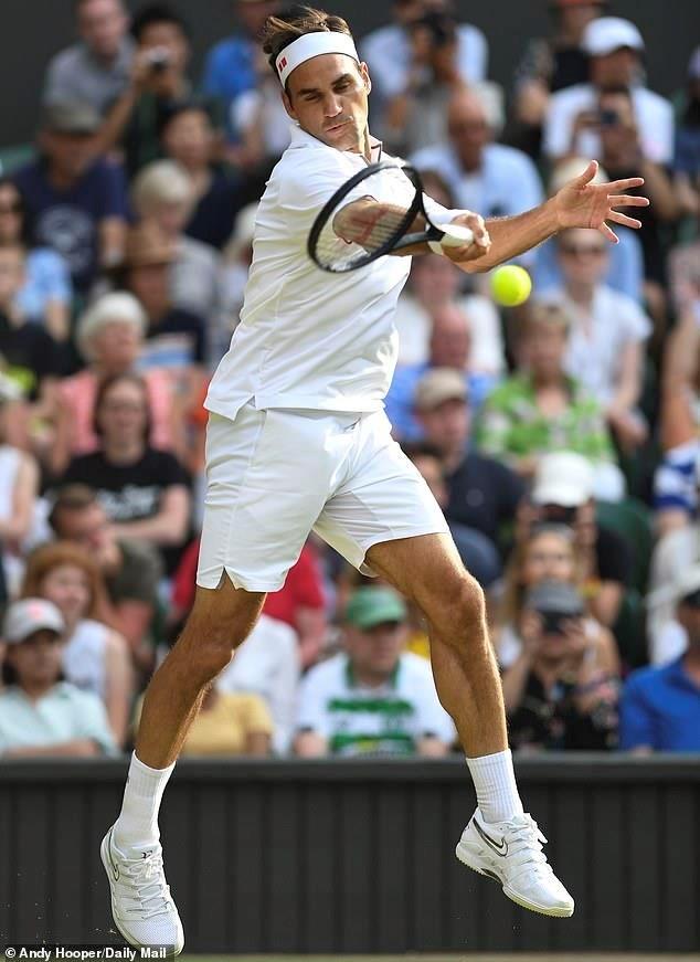 Federer 'đại chiến' Nadal, Djokovic thắng tốc hành - 2