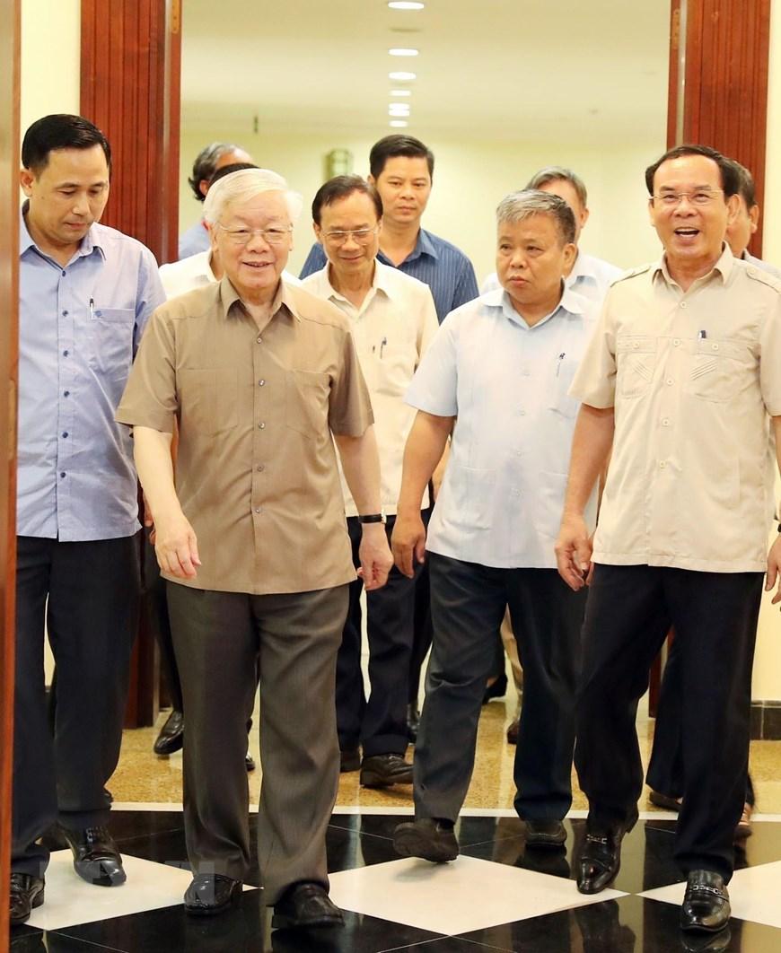 [ẢNH] Tổng Bí thư, Chủ tịch nước chủ trì họp Bộ Chính trị - 1