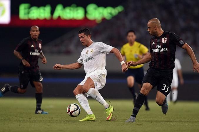 """Ronaldo phô diễn kỹ thuật chuyền bóng không cần nhìn """"cực dị""""   Bóng đá    Vietnam+ (VietnamPlus)"""