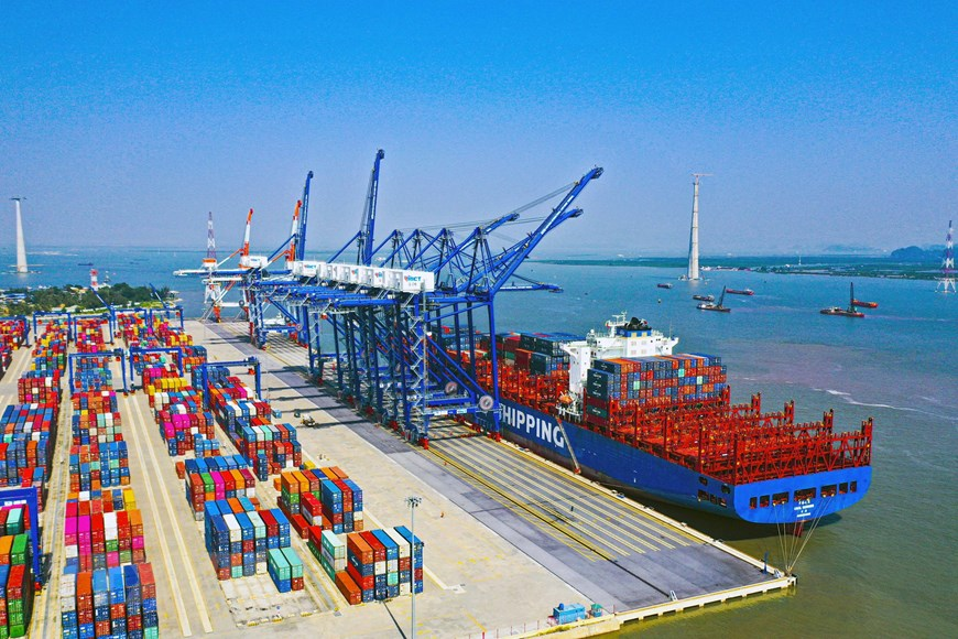 Sức bật tăng trưởng từ kinh tế biển ở thành phố cảng Hải Phòng | Kinh doanh  | Vietnam+ (VietnamPlus)