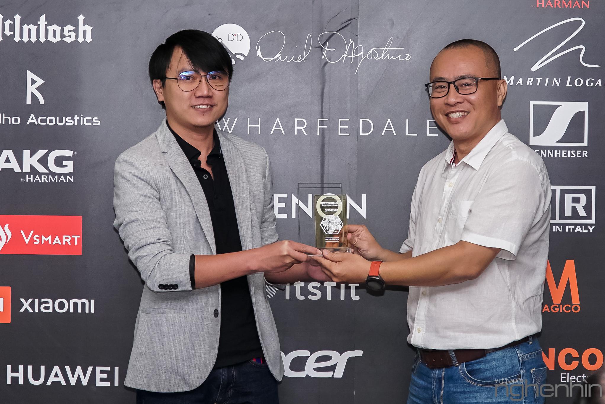 Các sản phẩm công nghệ nổi bật được vinh danh tại Editors' Choice Awards 2019. (Ảnh: Tạp chí Nghe Nhìn Việt Nam)